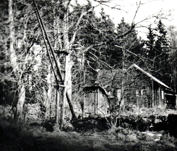 Kristinefors hävstångsbrunn, dass och ladugård - foto från Verna Anderssons samlingar