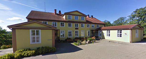 På andra våningen i huvudbyggnaden hittar du Gertrud Manz Rilke-Galleri med början i receptionsplanet.