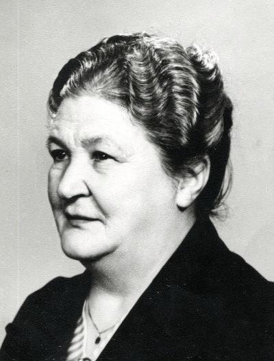 Bild från Irma Meyer, 92 år, Skövde - adoptivdotter till Emma Johansson, vid besök i Skövde 2014