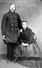 Carls bror Gustaf med hustrun Anna f. Haglund - foto taget i Amerika. Bildnummer: B145164:96, Västergötlands Museums bildarkiv