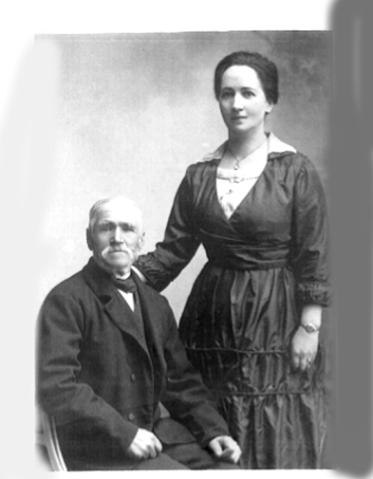 Den åldrande Lars med dottern Ida Broström 1920