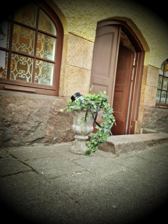 Ser du en dörr som denna på skolgatan 27 i Borås, kliv in & säg hej!
