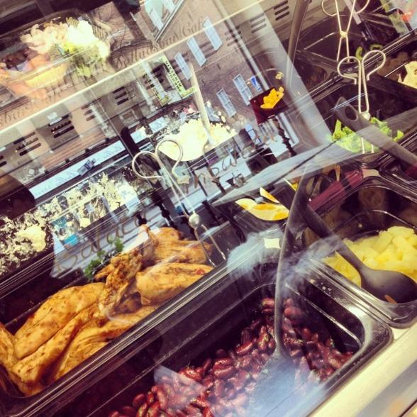 Bilden är hämtad från http://borasbloggarna.se/2013/04/23/dagens-lunch-fran-insalata/