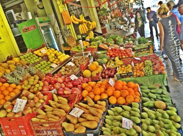 """Frukter & grönsaker som doftar var det länge sedan man kände och det gjorde att man verkligen fick perspektiv på hur """"ofrächa"""" våra frukt & grönsaker är hemma i butikerna...sååå plastiga. Här kan jag frossa i tomater som smakar & doftar tomater."""