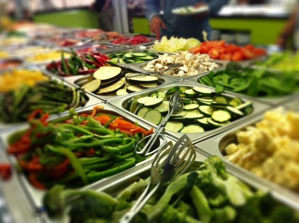 Brett sortiment av grönsaker..