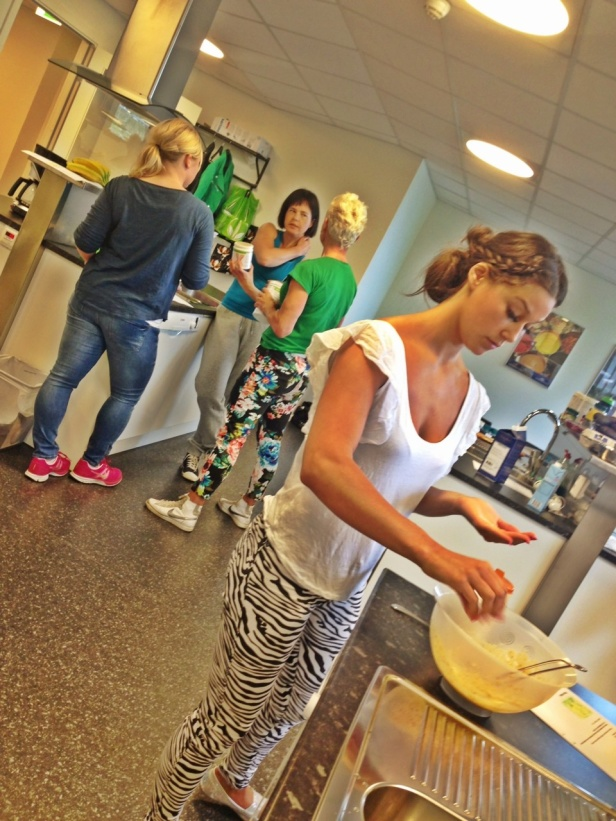 """Embla Santana som också jobbar som wellnesscoach i City Welnness team är våran """"Leila bakar"""" hon är grym på dessert recept som är nyttiga."""