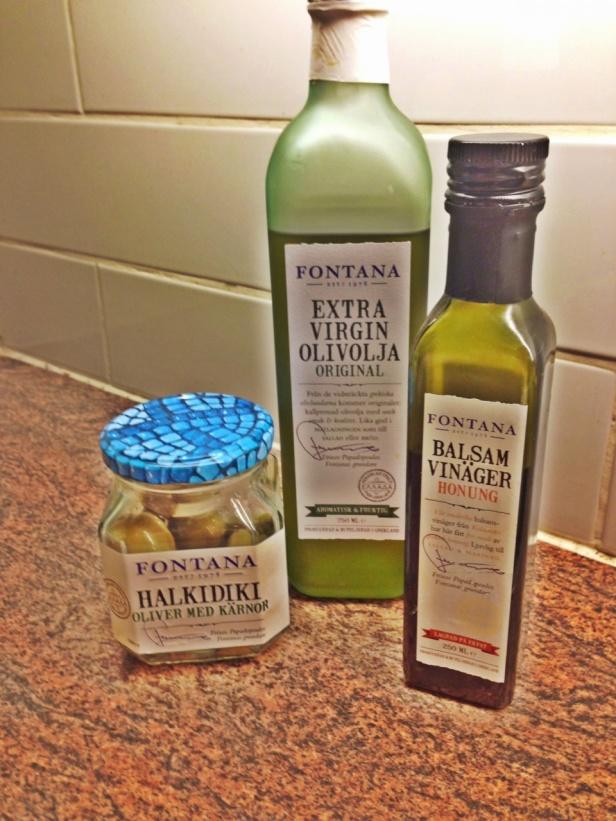 Ibland får jag för mig att bara äta zucchinispagetti med lite olivolja på :)