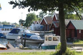 De gamla och de nya båthusen i Hamnen