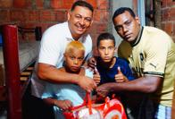 Gleden var stor da Futuro Rio kom hjem til 2 gutter på 11 og 12 år.