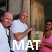 Bane og Entreprenørservice AS delte ut mat til familiene i slummen av Rio de Janeiro i Brasil. Foto Snorre Holand - Futuro Rio