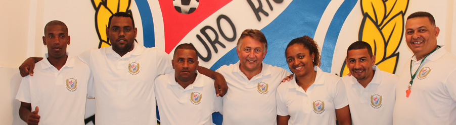 Prosjektmøte med ansatte i Futuro Rio de Janeiro på Bancarios i Rio de Janeiro i Brasil. Prosjektleer Snorre Holand i midten.