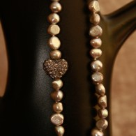 Heart in the Middle Halsband, Pearls for Girls