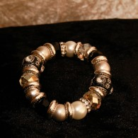 Massive Beauty Armband, Pearls for Girls