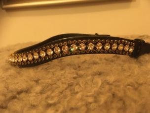 Döbert pannband - svart med kristaller och små kristaller stl full