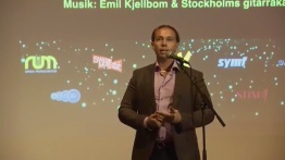 """Emil delar ut """"Framtidens Musikpris"""" på Musikmuseét 2017"""