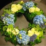 """""""Ljuva hortensia"""" Krans i blått, vitt och lime"""