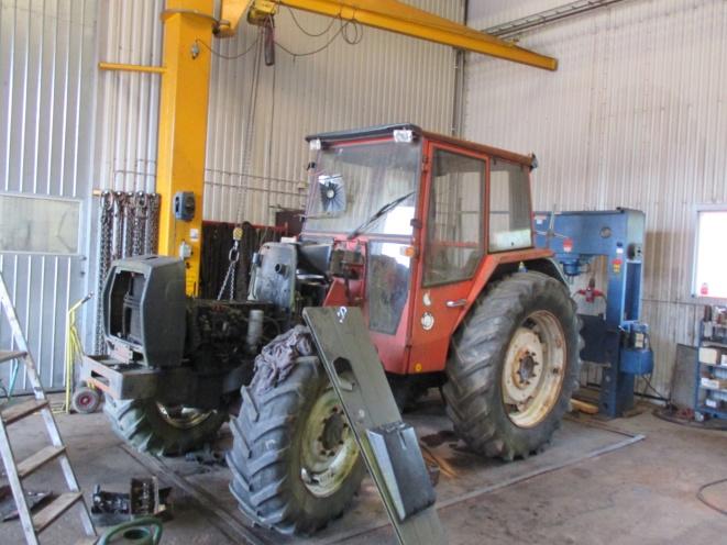 Traktor | Laholms Traktordemontering AB