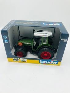 Bruder Traktor Fendt 209s