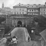 ještě stojící Újezdská brána