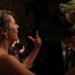 Riskastning på brudparey efter vigsel på Tängsta Gård
