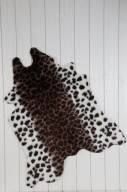 Konstgjort leopardpskinn
