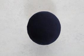 Mörkblå Hängare i sammet D 10cm - Mörkblå