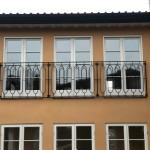 Bred fransk balkong