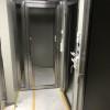 Rostfria dörrar med glas