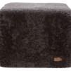 Emma fårskinnspuff fyrkantig 50x40cm - Carbon
