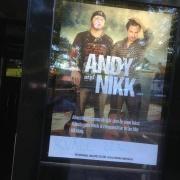 Affisch inför spelning på Pitchers med trubadur duon Andy & Nikk
