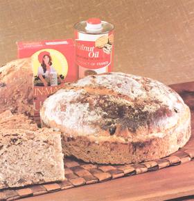 surdegsbröd recept amerikanskt russin- och valnötsbröd