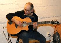 Gitarr spelade också Paul´sharp -  i en alldeles egen genre