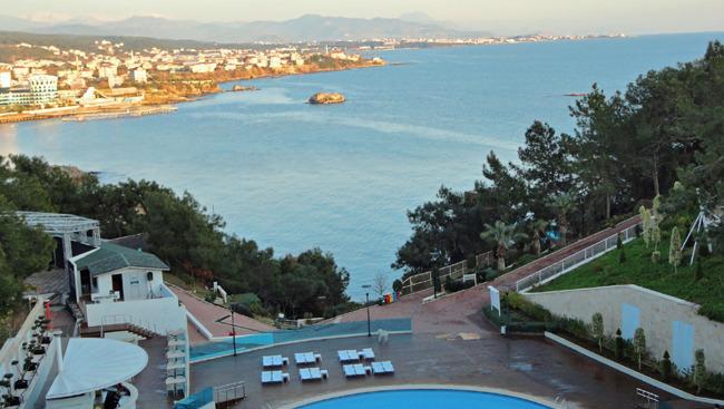 Utsikt mot Medelhavet från vår balkong på hotell Agua Park.