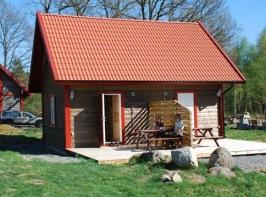Hyr vår Loftstuga på Våxtorps Camping & Stugby utanför Laholm.  Stugcamping i naturskön miljö öppen året runt