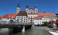Stad Steyr,Enns mynnar i Steyr.