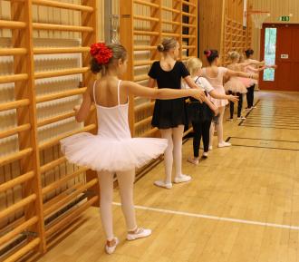 Balett forts 5-7 år och balett 2 forts 7 år