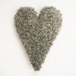 Fårskinnskudde hjärtformad