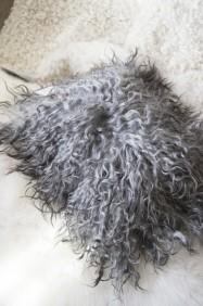 Fårskinnskudde med lång ull -