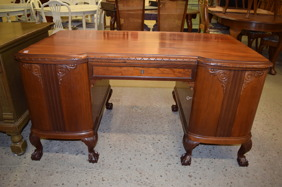1947. Skrivbord(SÅLD)