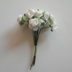 Blommor Vita rosor, 20 mm - Blommor Vita rosor, 20 mm