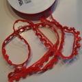 Röd bomullspets 13 mm