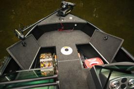 Stor förvaring under främre kastdäck