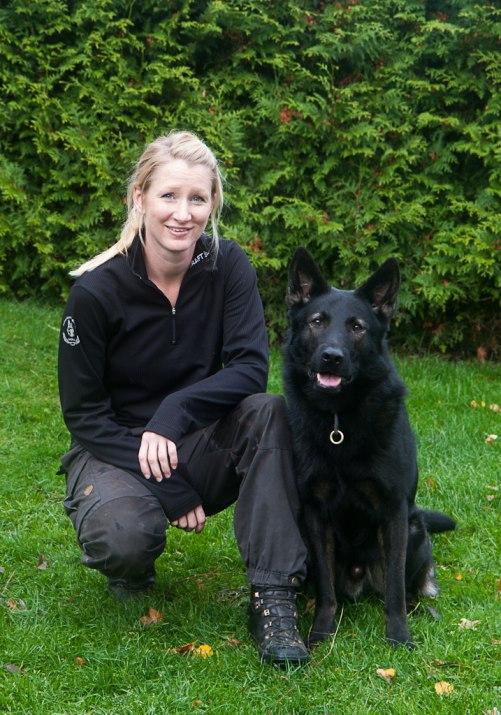 RixDivans Amigo polishund i Göteborg med sin matte