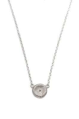 Fossil i silver, ställbar längd 40-45cm kedja. Pris 975 kr.