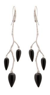 Örhänge Wildrose i silver med svart onyx