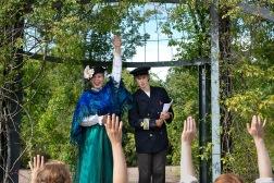 """""""Träd fram"""", en vandringsföreställning med Skapet (Foto: Eva Brandin)"""