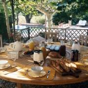 Frukost på terassen