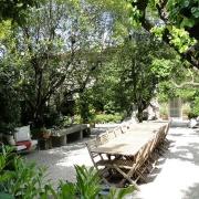 Terrassen för frukost och middag