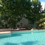fasad och pool