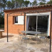 Frsitående hus med härlig terrass- gîte